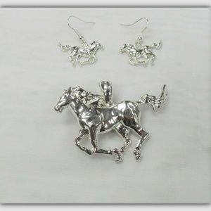 Silver Horse Magnetic Charm Necklace Set